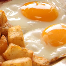 eggs sunny side up with hash browns