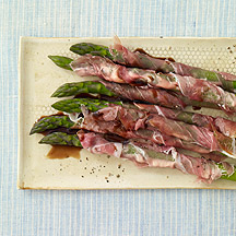 Image of prosciutto wrapped asparagus